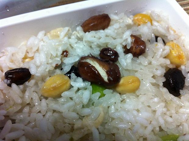 6種類の豆(白花豆、大豆、小豆、金時豆、黒豆、枝豆)